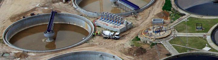 La Junta de Andalucía licita por 16,9 millones de euros varias obras de depuración en Constantina, Aroche, Berrocal y Albuñol