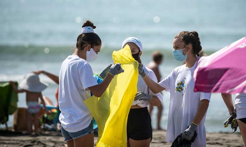 El Proyecto LIBERA recoge datos sobre la basuraleza de 115 puntos de la costa española