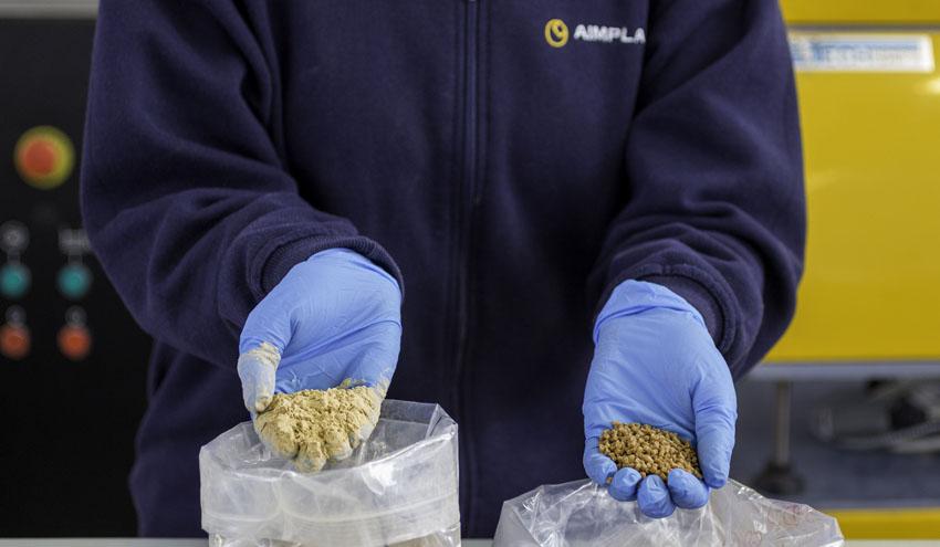 AIMPLAS y OLIPE trabajan en el desarrollo de un nuevo material plástico sostenible para el envasado del aceite