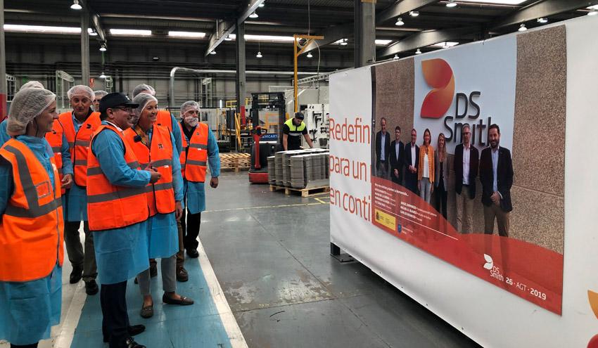 La ministra de Industria, Comercio y Turismo visita los centros productivos de DS Smith en Palencia
