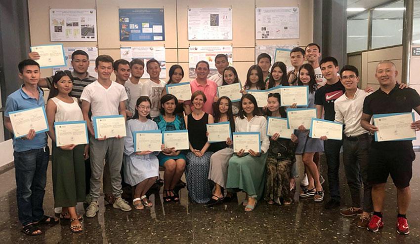 Investigadores del IIAMA imparten un curso a alumnos de la Universidad de Kazajistán