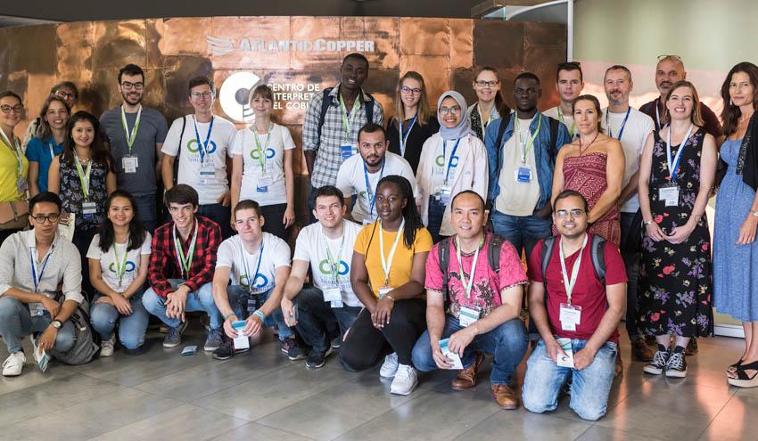 Un veintena de estudiantes participan en un proyecto de valorización de subproductos en Atlantic Copper