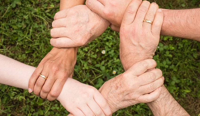 SUEZ y las federaciones de la Unión Europea firman un acuerdo europeo para fortalecer la igualdad profesional