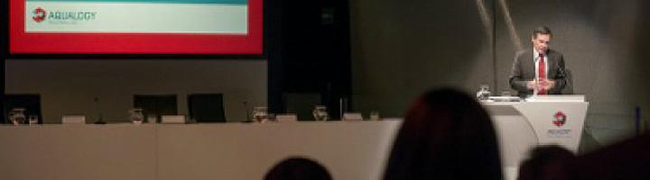 Ángel Simón repasa los logros, objetivos y retos de Agbar en el acto de clausura del Master in Water Management