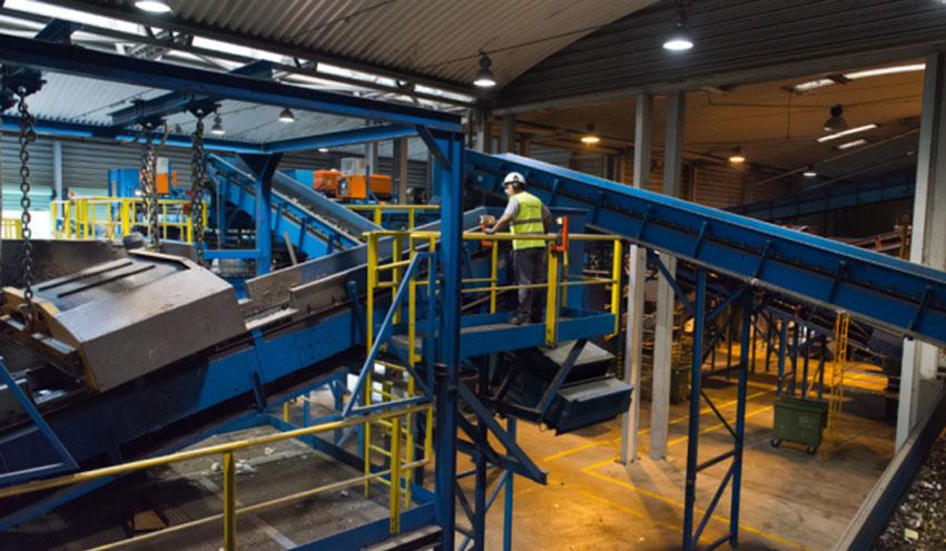 Ferrovial Servicios investiga sobre la valorización de los residuos plásticos dentro del proyecto R3BORN