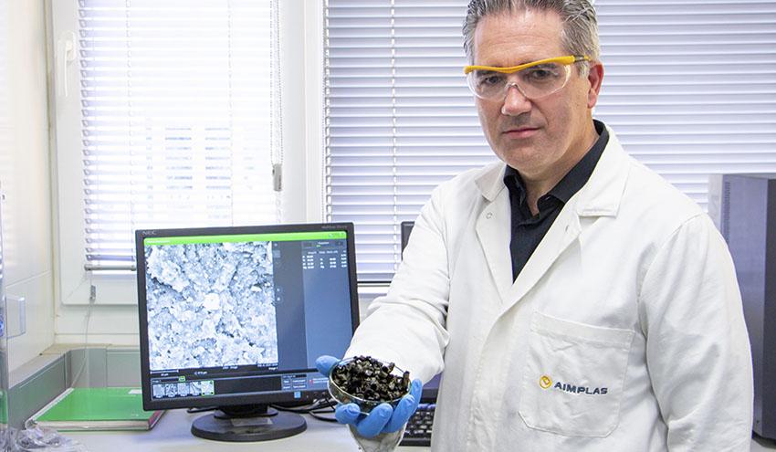 Desarrollan nuevos materiales para la captura de CO2 en emisiones industriales de tipo postcombustión