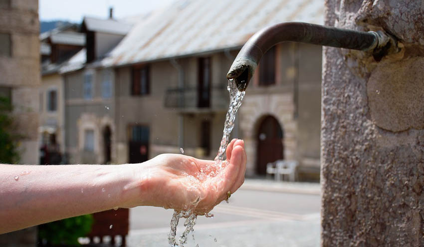 Nuevas soluciones para optimizar la gestión del agua y reducir el efecto isla de calor en pequeños municipios