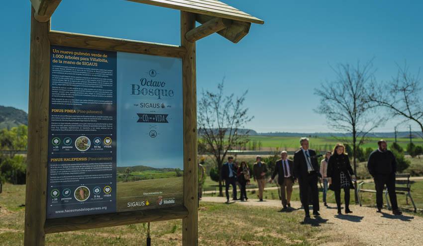 SIGAUS y representantes municipales visitan la plantación del 8º Bosque en el municipio madrileño de Villalbilla