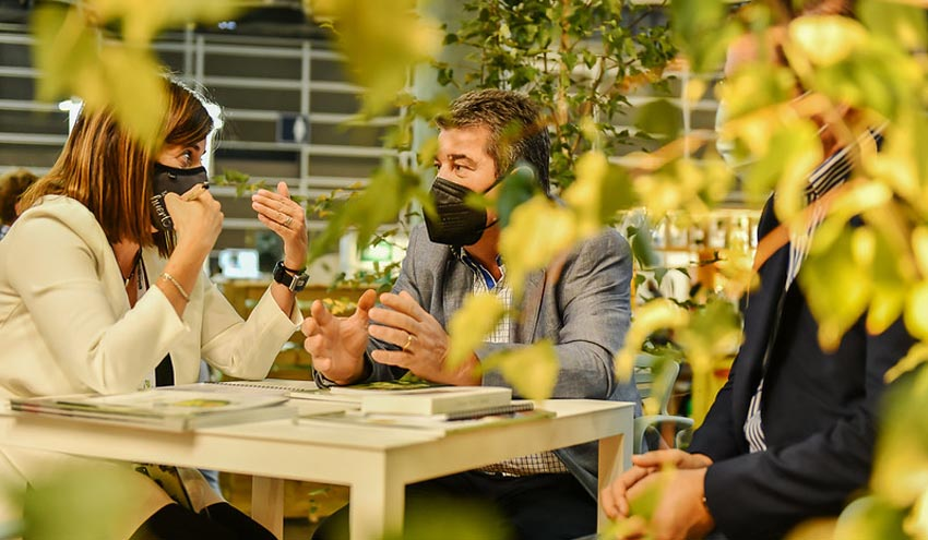 Iberflora y Ecofira viven con optimismo, negocio y ventas la segunda jornada de feria