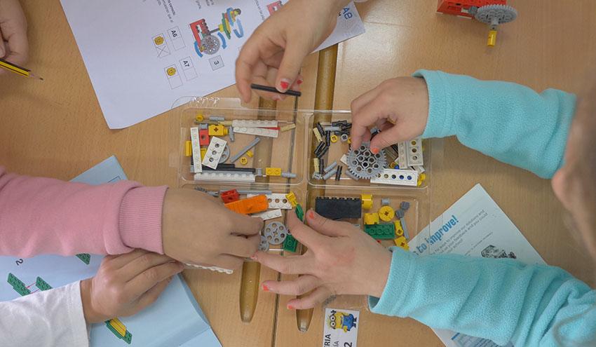 Aquae STEM ya está integrado en medio centenar de colegios fomentando las vocaciones STEM entre las niñas