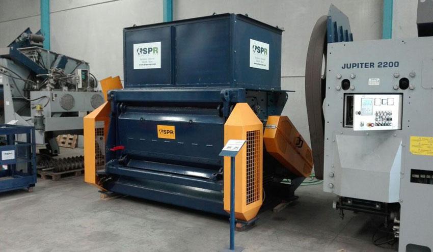 PreCrusher SPR, un pretiturador ajustable para residuos voluminosos