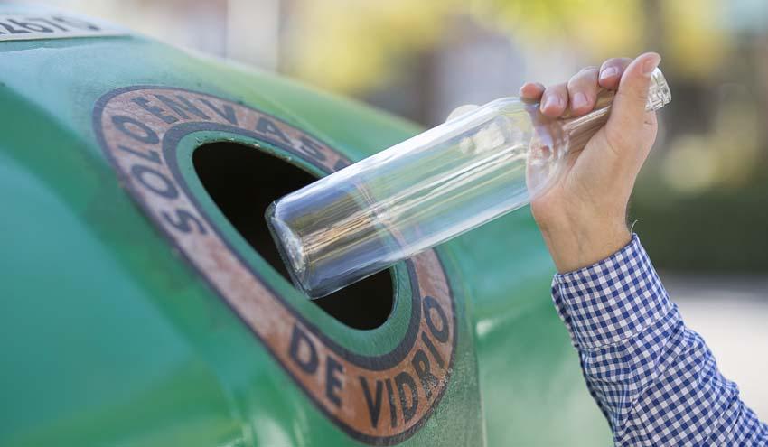 Los envases de vidrio lanzan 'Close The Glass Loop' para superar la meta de reciclado