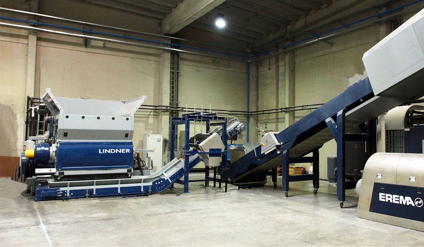 Trituradores Lindner para aumentar la productividad en el reciclado de alta calidad