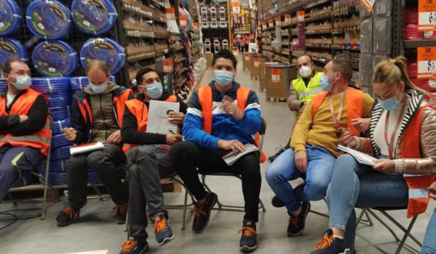 adequa desarrolla una formación en la nueva tienda de Bricomart en Galdakano