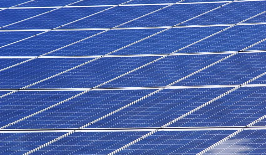 A información pública el Real Decreto que regulará los nuevos permisos de acceso y conexión para plantas renovables