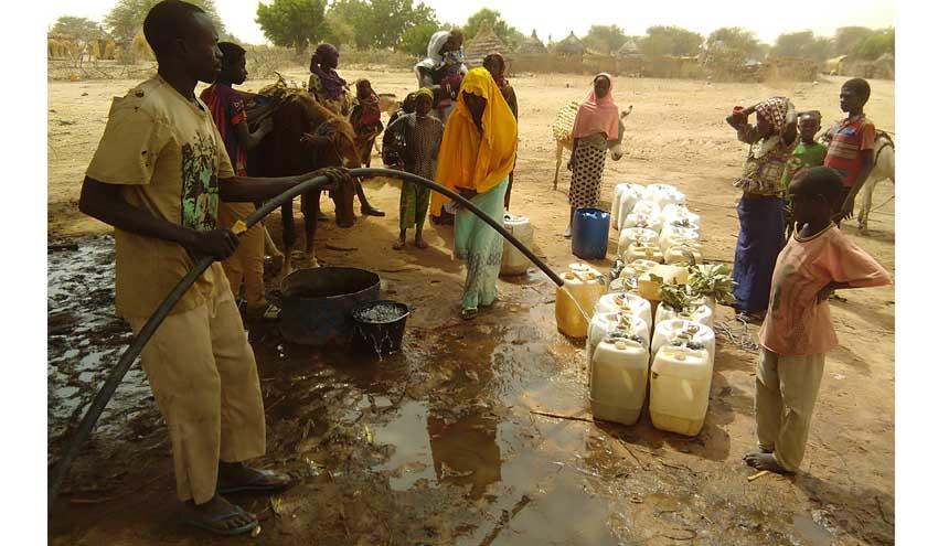 Reto solidario de Aqualia que transformará pasos en agua potable para refugiados en África