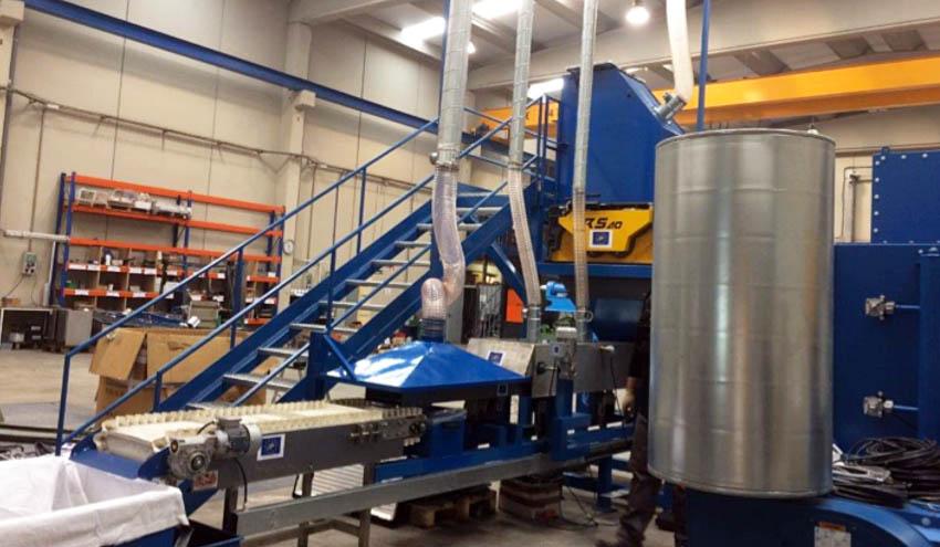 Soluciones de trituración UNTHA para reciclaje de pantallas y recuperación de metales raros