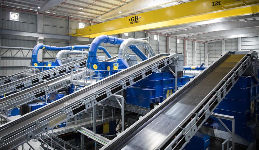La maquinaria de Sogama, a pleno rendimiento para seguir contribuyendo a la protección de la salud