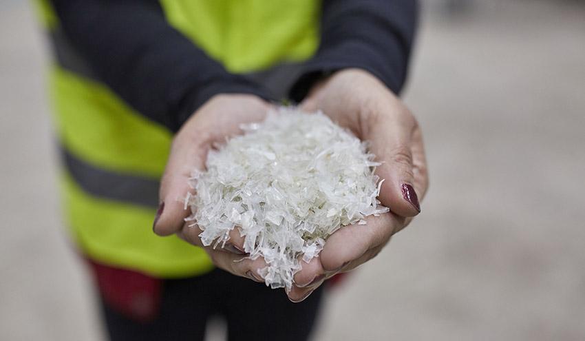 TOMRA y Borealis abren una planta de última generación para la clasificación y reciclado de plástico postconsumo