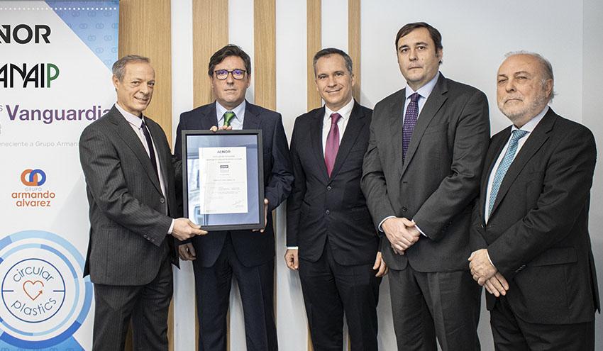 Entregado el primer certificado AENOR de porcentaje de uso de plástico reciclado posconsumo