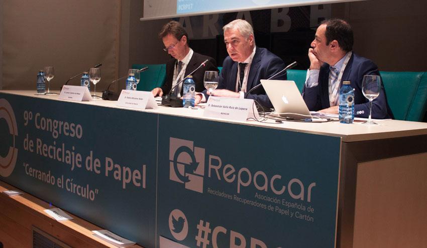 """El sector recuperador de papel analiza los retos de futuro de una industria """"pionera en la economía circular"""""""