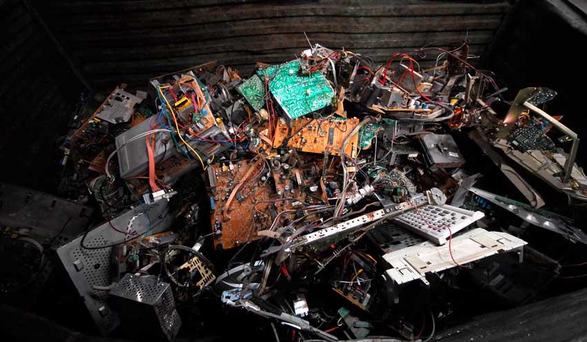 El reciclaje de aparatos electrónicos y pilas avanza en un año marcado por la COVID-19