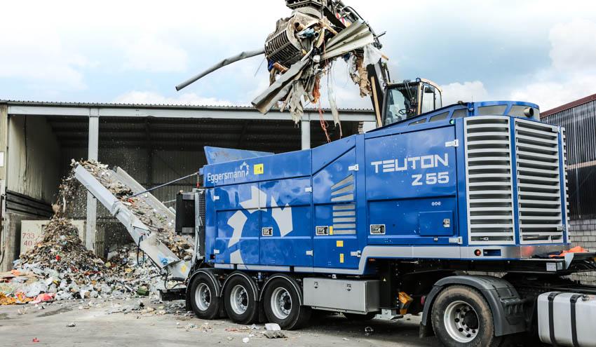 Trituradora universal TEUTON Z 55: Pre- y pos-triturado de escombros en un solo proceso