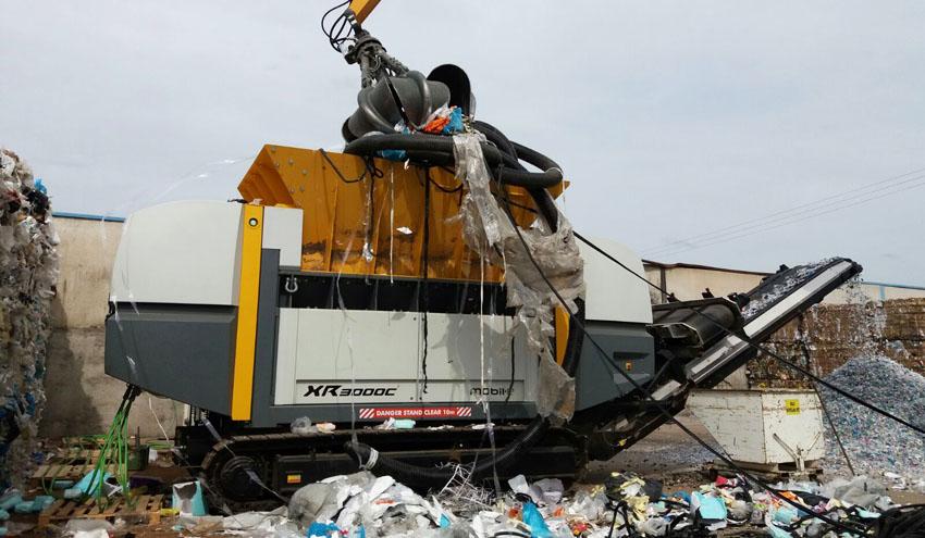 UNTHA entrega la primera trituradora XR mobil-e en España