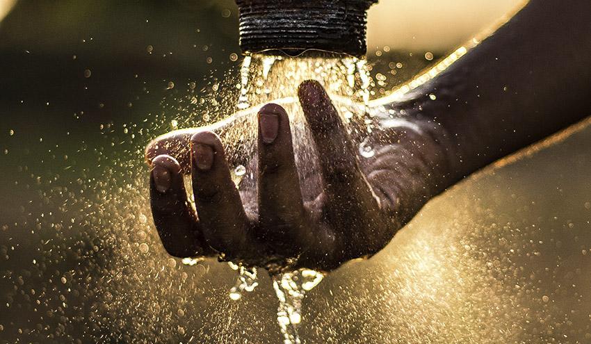 Agua: derecho humano y elemento trasversal en el desarrollo económico