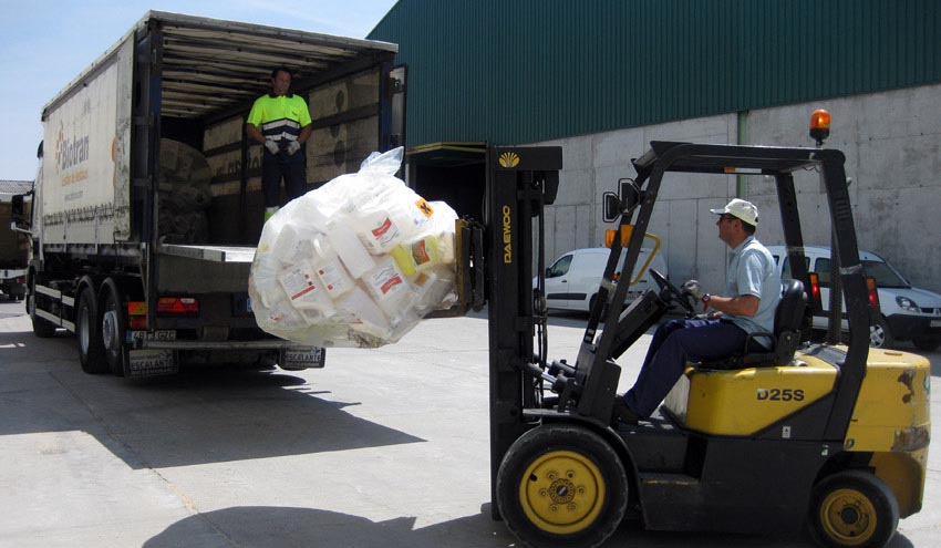 SIGFITO pone en marcha una nueva campaña para impulsar el reciclaje entre los pequeños agricultores