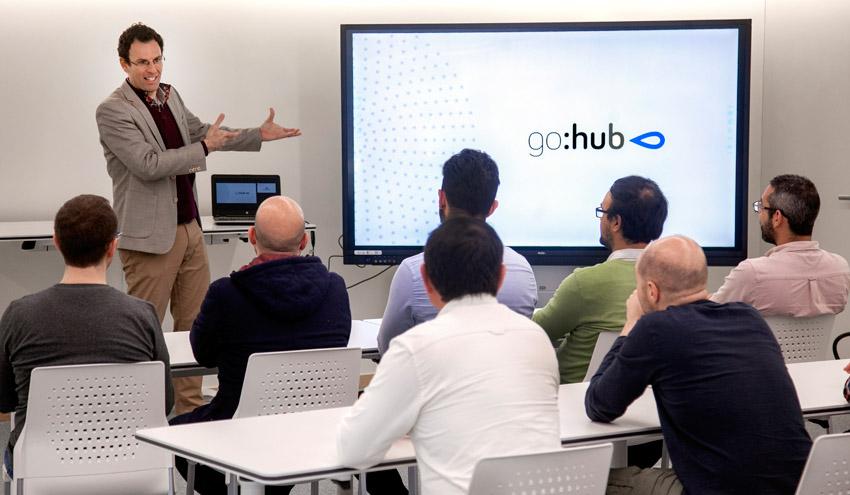 GOHub se une a School of AI para potenciar el talento y el conocimiento sobre inteligencia artificial