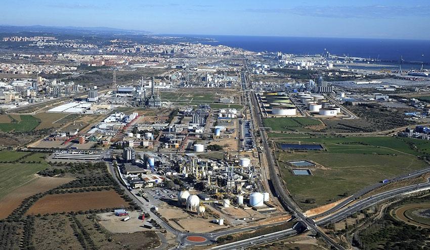 Aqualia construirá y gestionará la depuradora del polígono petroquímico de Tarragona