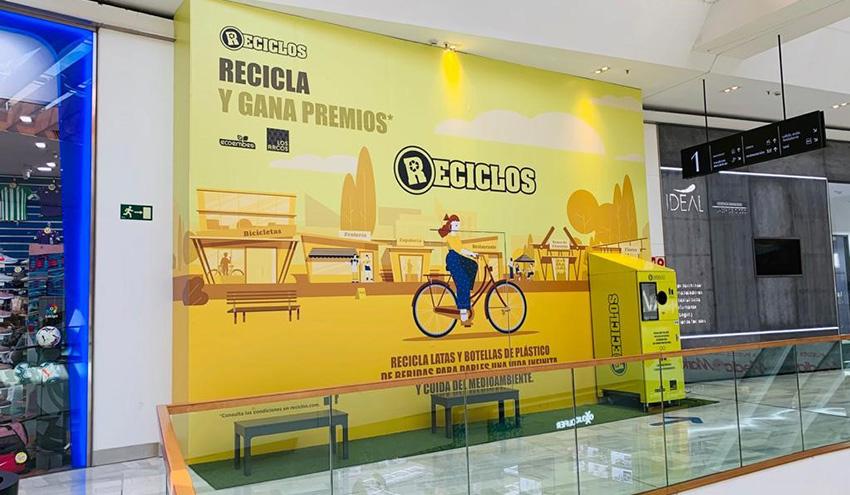 RECICLOS llega por primera vez a un centro comercial