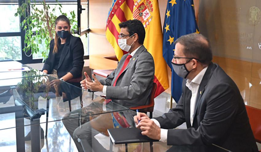 La Cátedra de Cambio Climático presenta sus actividades a las autoridades institucionales