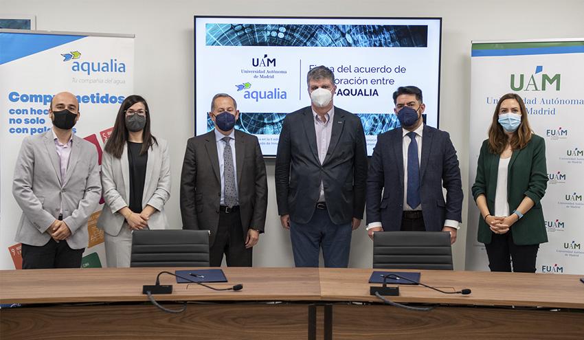La UAM y Aqualia firman un convenio para el tratamiento de cianobacterias tóxicas en aguas de abastecimiento