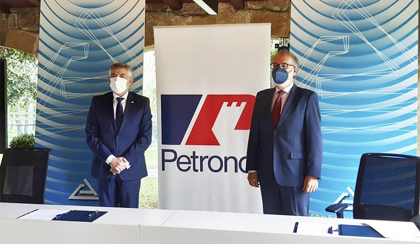 Petronor y el Consorcio de Aguas de Bilbao construyen un poliducto para conectar la refinería con el Puerto