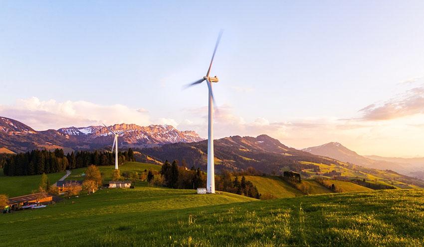 La industria de renovables celebra el avance de la Ley de Cambio Climático y Transición Energética