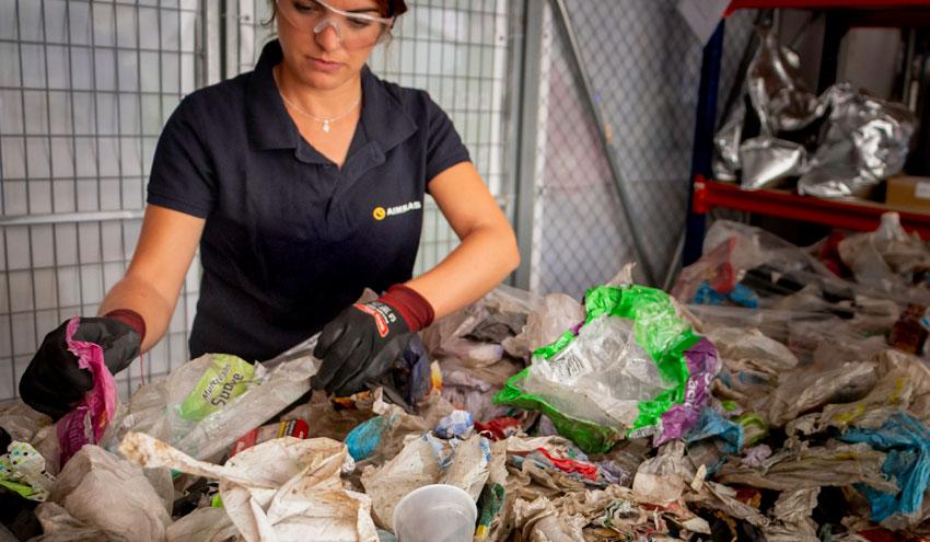 Empresas del plástico trabajan para mejorar el reciclado de los envases alimentarios multicapa