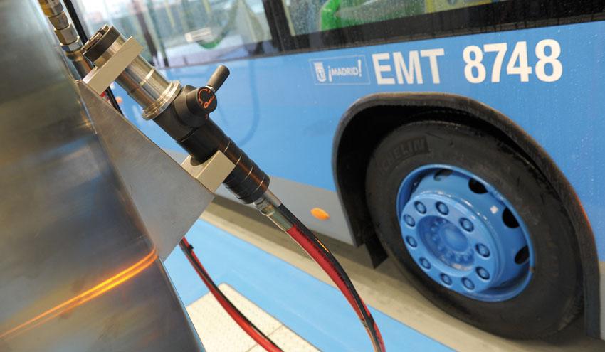 Más de 30 estudios científicos demuestran el potencial del gas natural en la reducción de emisiones en el transporte