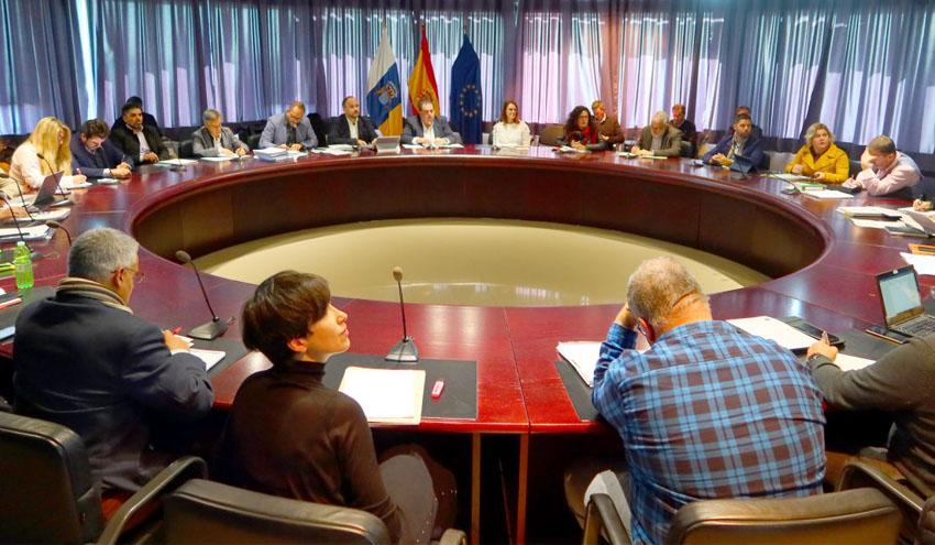 Gobierno y Cabildos actualizarán el Plan Integral de Residuos de Canarias a las directivas de la Unión Europea