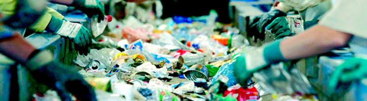 Los hogares españoles reciclan un 10,7% más envases de plástico, según los últimos datos de Cicoplast