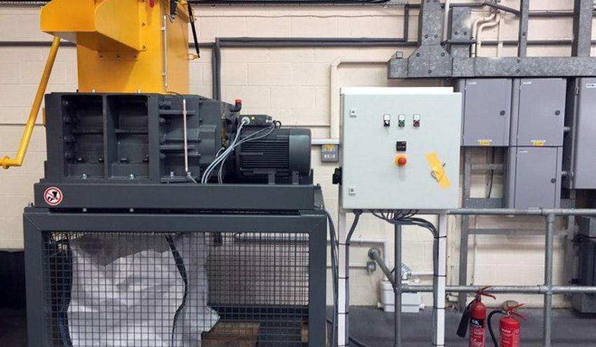 UNTHA RS40 para la destrucción y reciclaje seguro de discos duros