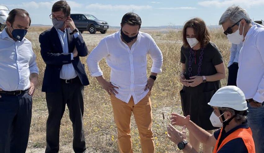 Carabante y Niño evalúan el nuevo sistema de detección de emisiones en Valdemingómez