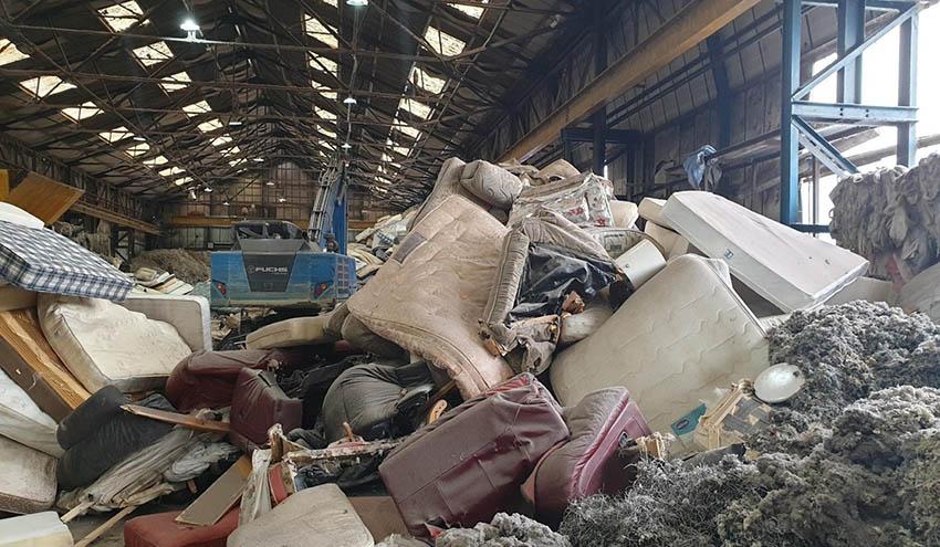 Textek apuesta por las trituradoras UNTHA XR para reciclar un millón de colchones al año