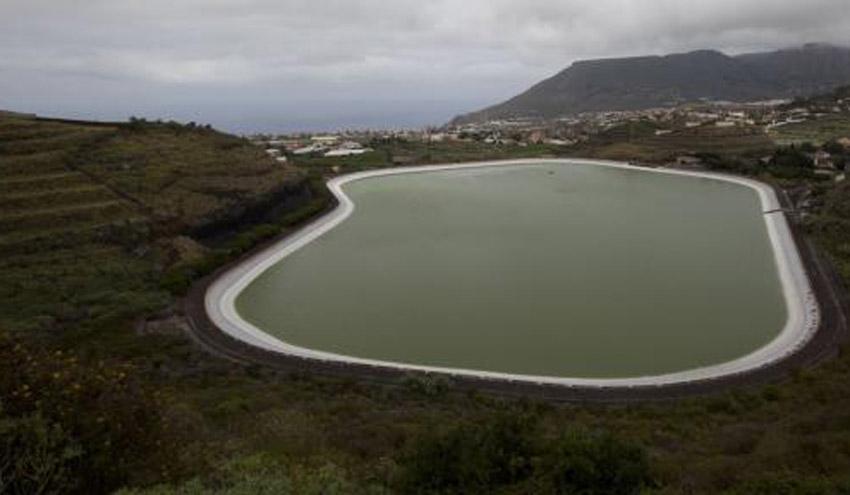 El agua regenerada ayuda al nuevo récord de las balsas de Tenerife, con el 87% de almacenamiento