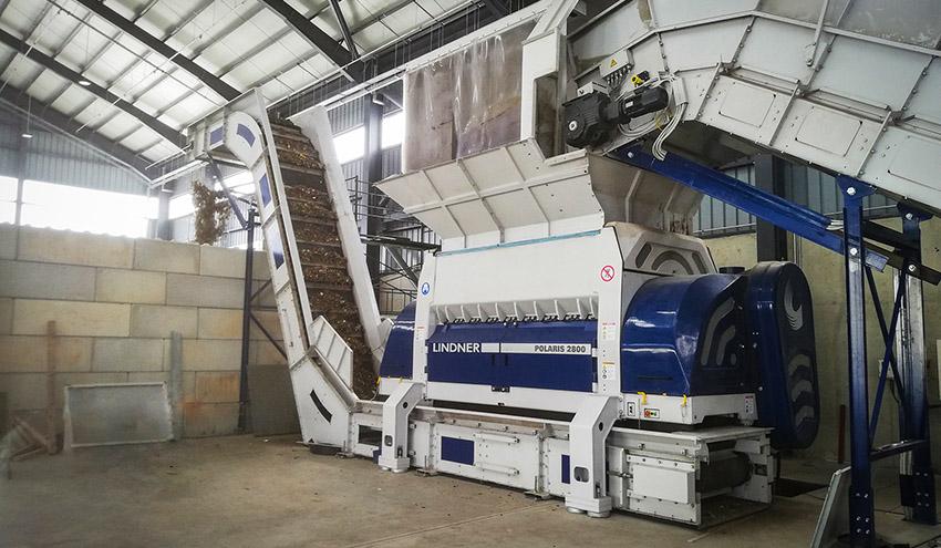 Una Polaris 2800 de Lindner alimenta una de las plantas de cemento más grandes de Europa en Chipre