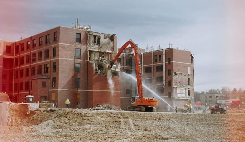 Construcción con edificios antiguos: los residuos de demolición se convierten en hormigón nuevo