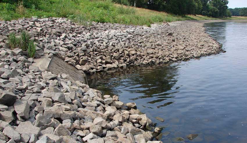 Un nuevo método de descontaminación del agua aúna compuestos de bajo costo y energía solar