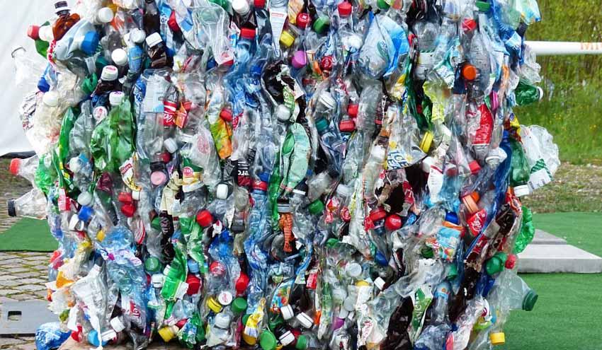 El reciclaje de plástico supera al vertido por primera vez en España