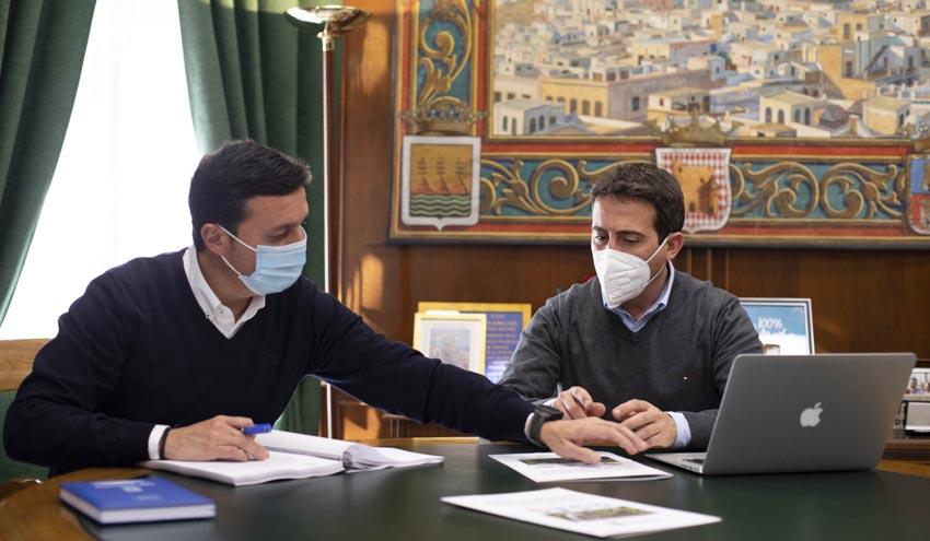 Almería impulsa la recuperación ambiental de los terrenos del vertedero de Residuos del Mármol en Fines